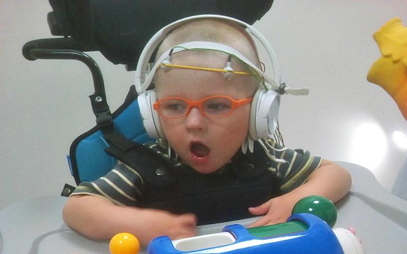 Заставка для - Помощь маленькому Арсюше в его нелегкой борьбе с недугом!