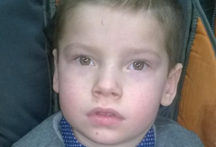 Заставка для - 6-летний Ярослав очень хочет заговорить